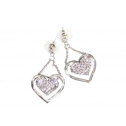 Dangle earrings heart form...