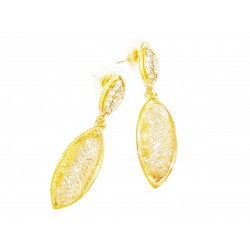 Dabgle earrings. Color: gold