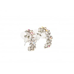 Hoop earrings with flowers