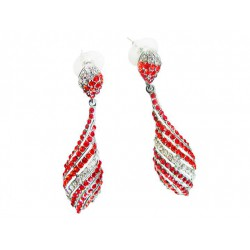 Dangle earrings. Color: red...