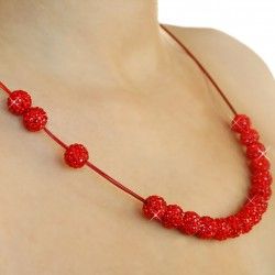 Elegant woman necklace red